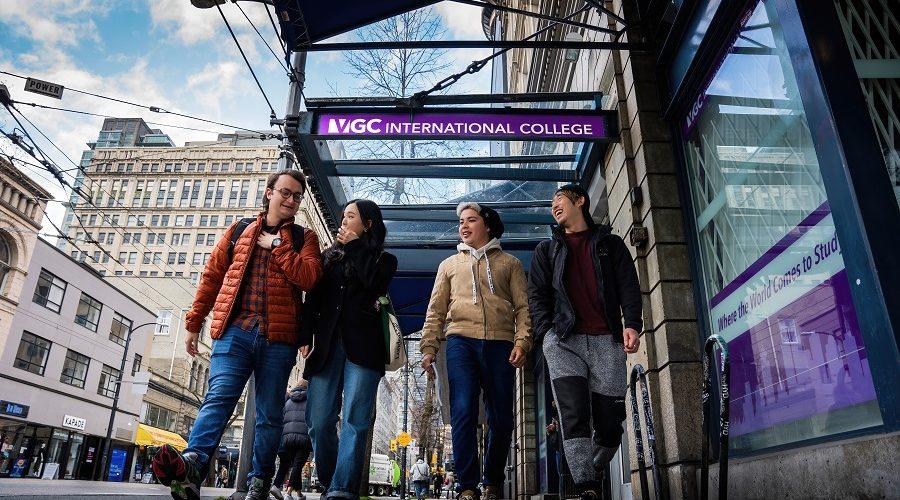 Students walking along Hastings Campus